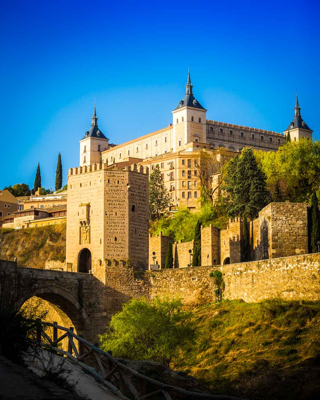 Puente de Alcantara, Toledo - Discovering the Roman Bridge
